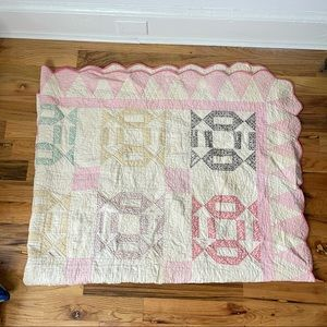 Vintage Handfinished Scalloped Edge Quilt Pastels